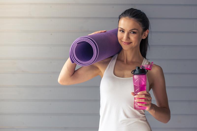 Water en Yoga: Hoe en Wanneer te Hydrateren